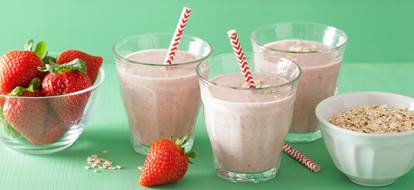 recipes_strawberrysmoothie_highres