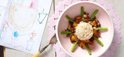 Sperziebonen met rijst, perzik en gehakt