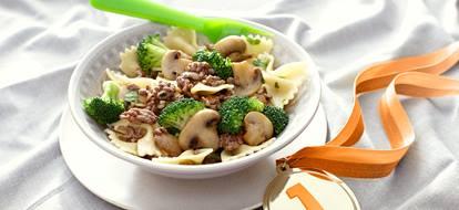 pasta met champions, broccoli en gehakt