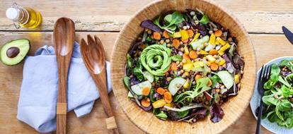 Salade de crudités et légumineuses